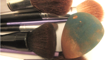 dirtymakeupbrushes